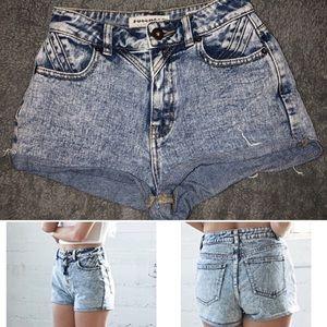 Bullhead Highwaisted Mom shorts, size 0